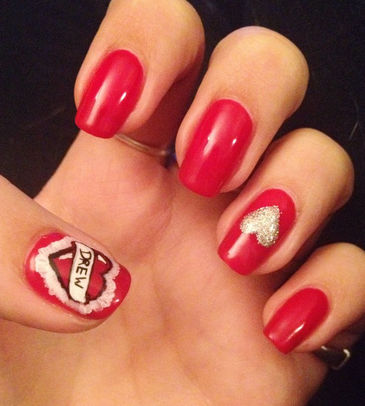 cat valentine nails