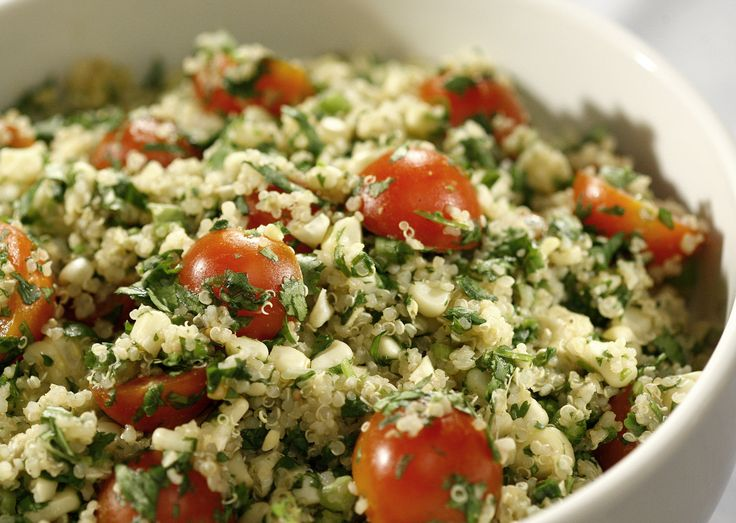 Quinoa salad with grilled corn, tomatoes and cilantro | Recipe