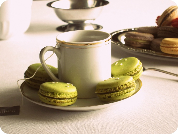 Honey Sesame Pistachio French Macaron | French macaroons | Pinterest