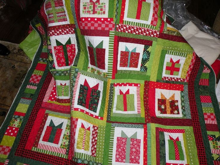Christmas gift quilt with pattern