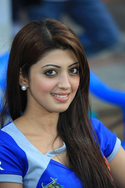 Pranita Latest Beatiful Images CCL 3 | Hot Tamil Telugu Kannada Malay ...