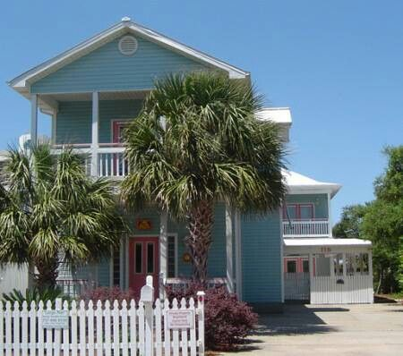 Such A Cute Little Beach Home Coastal Living Pinterest