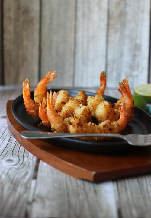 Coconut Shrimp | Sweet and crunchy, coconut shrimp are one of summer's ...