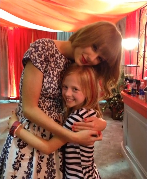 Taylor Swift Club Red Fan Meeting Photos