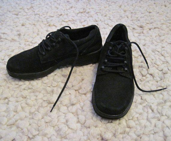 Vintage black color women's dexter bowling shoes, women's lace up