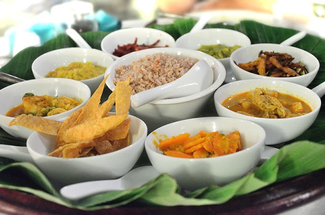 Traditional sri lankan food yummies pinterest for Authentic sri lankan cuisine