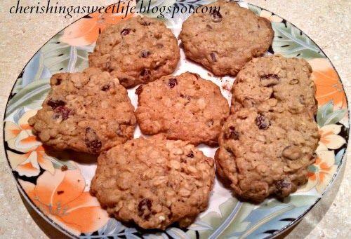 Dark Chocolate Cherry-Craisin Oatmeal Cookies