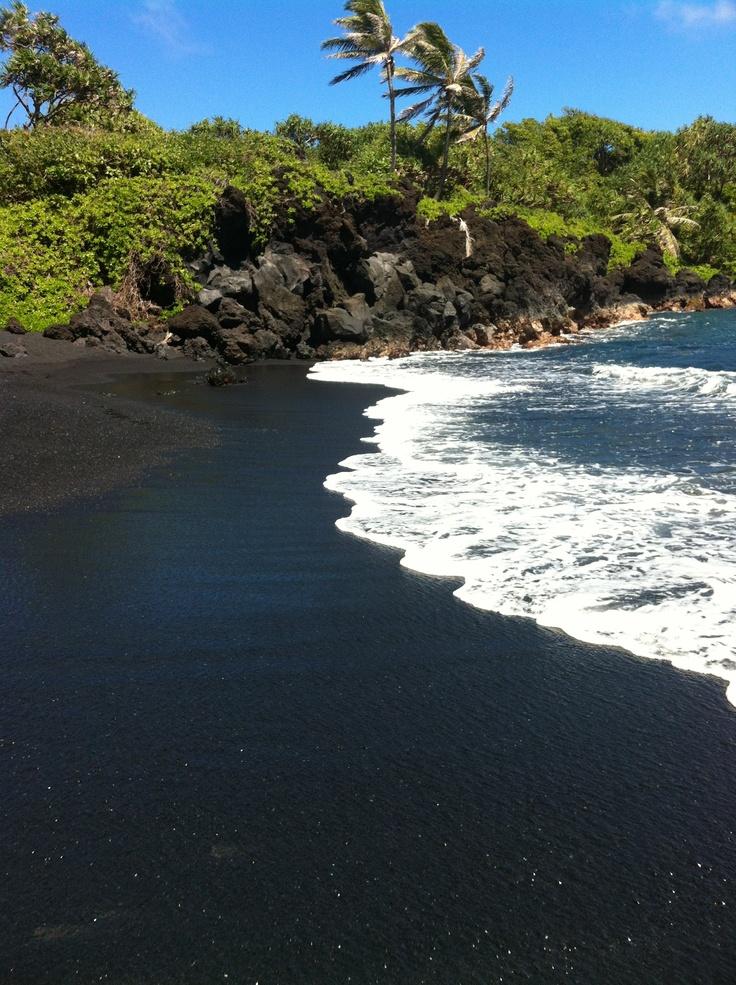 Black Sand Beach Maui Maui Pinterest