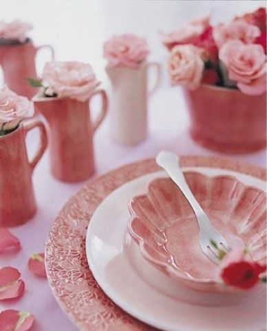 ♡ Home Pink Home ♡  pink dishes