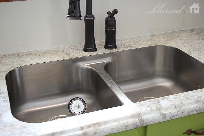 Countertop Options For Undermount Sink : Beautiful Laminate Countertop with Undermount Sink MyBlessedLife.net