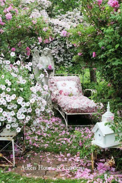 Romantic garden.  Romantic Vintage Garden