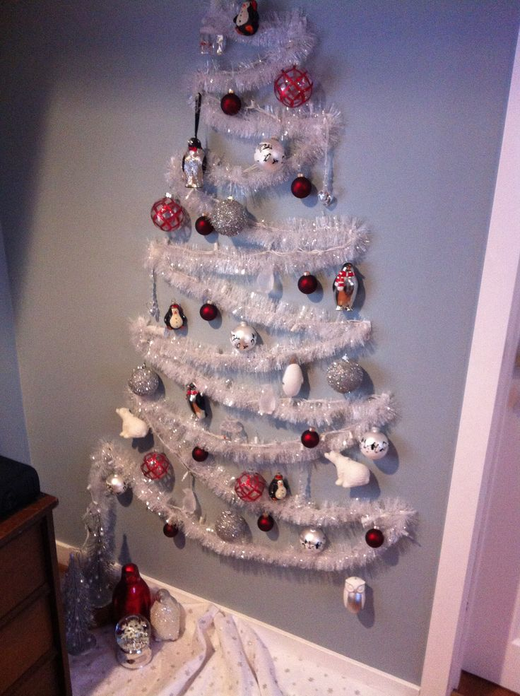 Christmas Wall Decoration Pinterest : Small space wall christmas tree diy decor