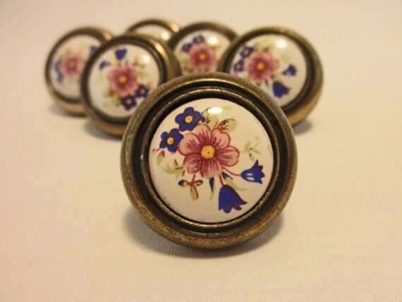 Stunning Old Drawer Pulls for Sale 570 x 428 · 28 kB · jpeg