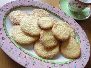 Babaduck: Crunchy Lemon Polenta Biscuits | Dessert & baking recipes ...