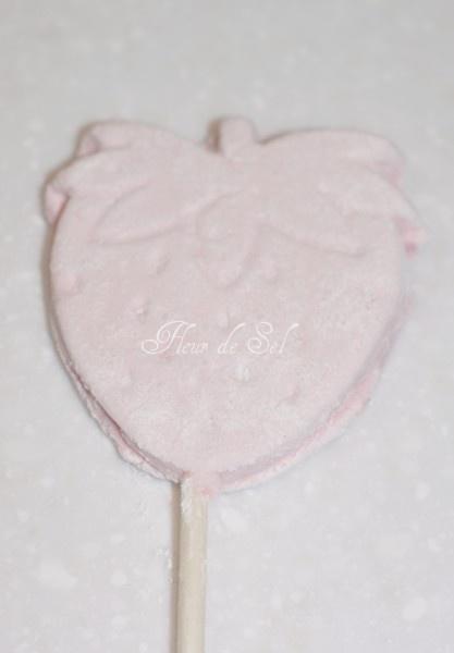 homemade strawberry marshmallows | Desserts I bake | Pinterest