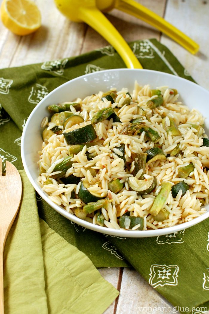 Orzo Pasta Salad with Asparagus and Zucchini | www.wineandglue.com ...