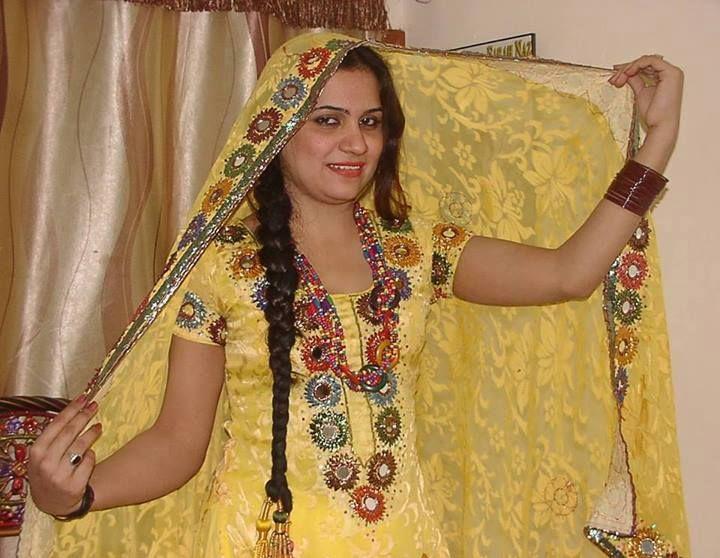 Sindhi Culture Dresses