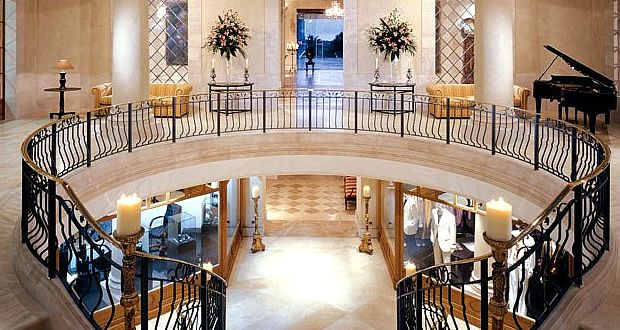 Pin by de on hoteles de lujo pinterest for Hoteles para 5 personas