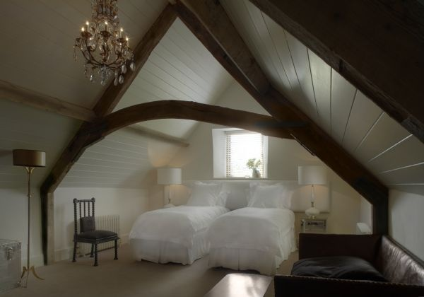 Exposed beam bedroom home master suites pinterest for Chill bedroom ideas