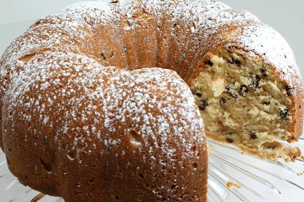 Chocolate Chip Irish Cream Pound Cake | Cakes | Pinterest