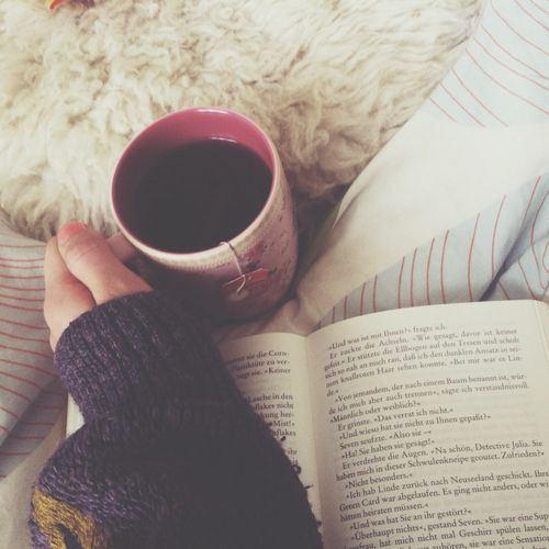 Tea and a good book = perfection ❤
