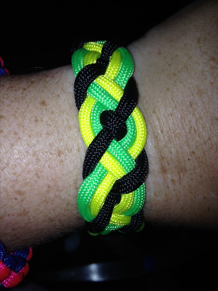 Black yellow green paracord paracord projects pinterest for Cool things to do with paracord