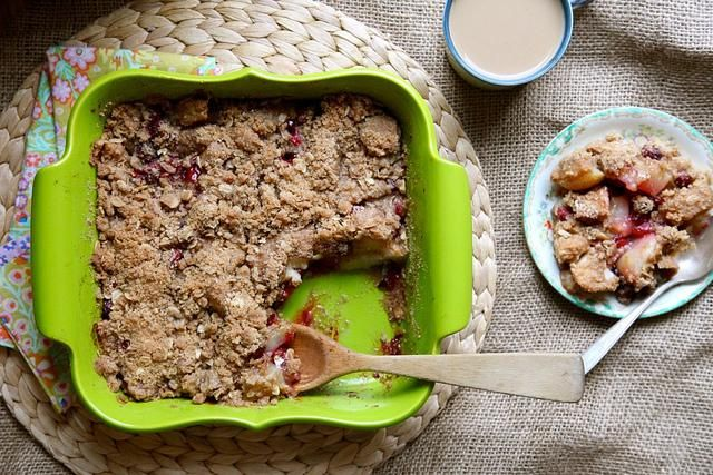 Pear and Cranberry Crumble | via Joy the Baker