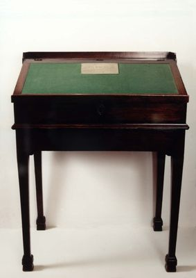 Writing desk belonging to Robert Burns at the Writers' Museum