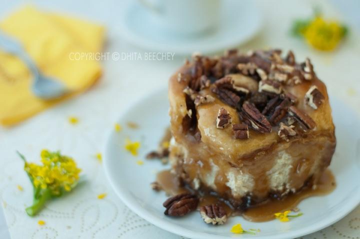Sticky Pecan Caramel Cinnamon Rolls | Mmmm.... Breads, Rolls & Sweet ...