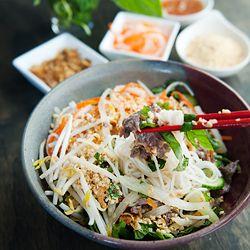 Vietnamese bun bo xao - beef noodle salad. Flavor heaven in a bowl ...