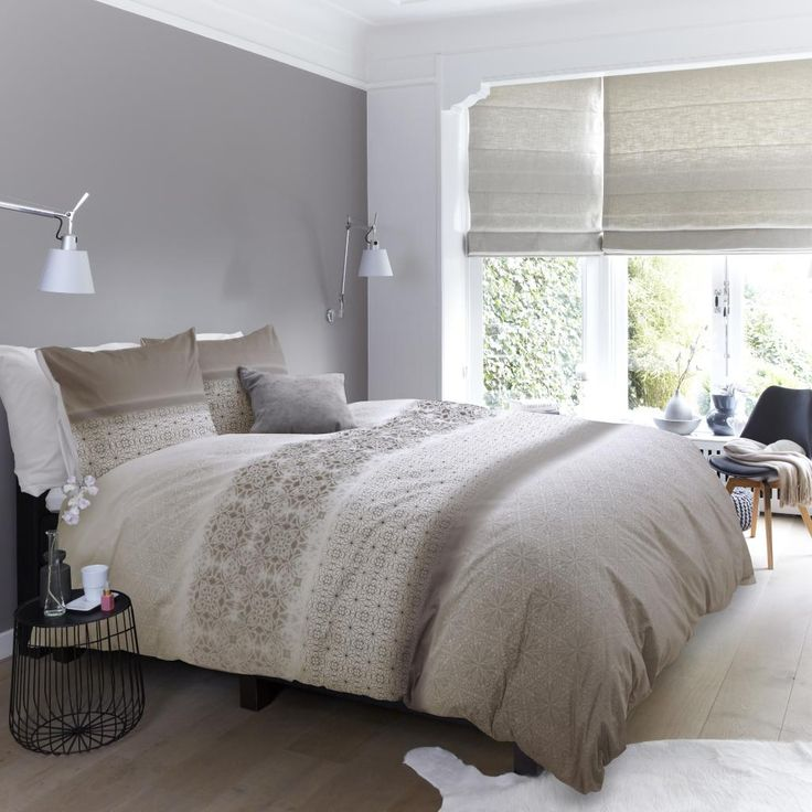 Slaapkamer Ideeen Taupe : Slaapkamer taupe grijze muren wit houtwerk
