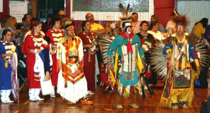 of ebarb hosts a traditional powwow the choctaw apache tribal