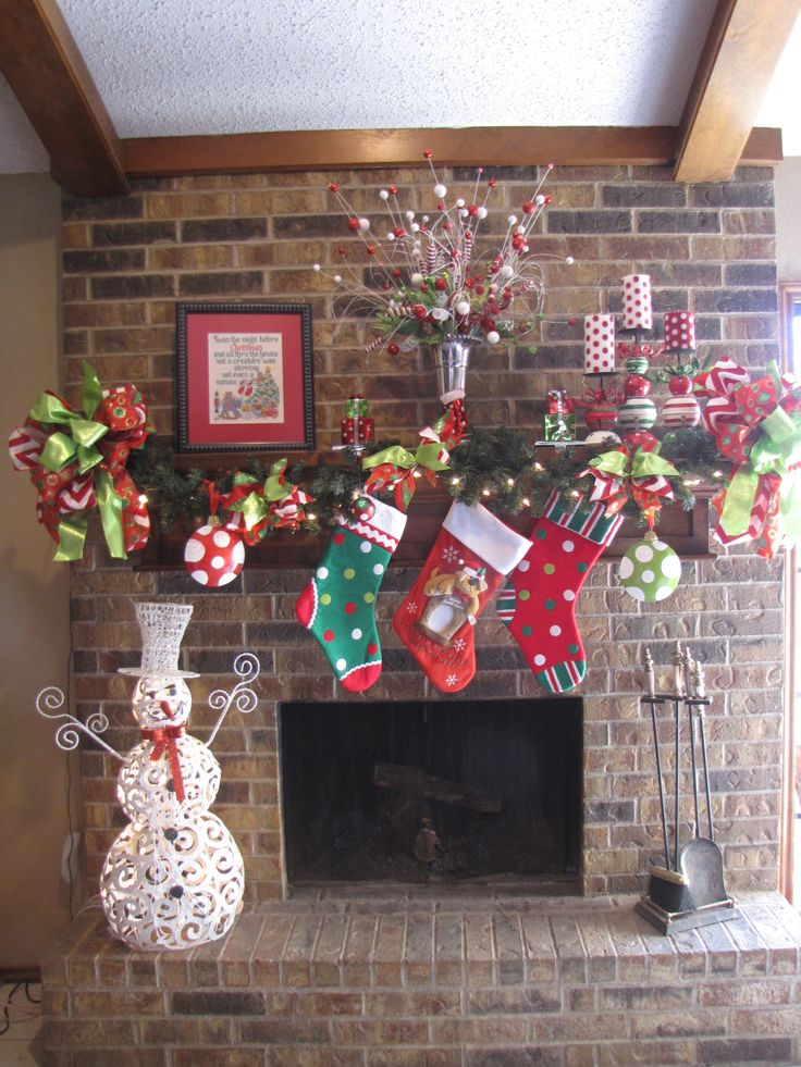 Mantel decorations for christmas pinterest crafts for Pinterest christmas decorations for the home