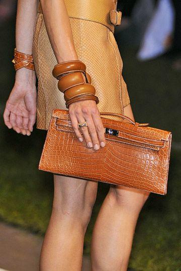 Love this brown on camel look by Hermès.