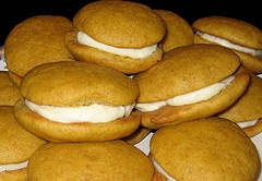 Mini pumpkin whoopie pies | Yummmy | Pinterest