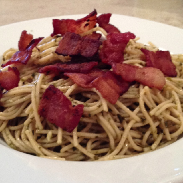 Pesto pasta with bacon! Cook while wheat spaghetti. While its cooking ...