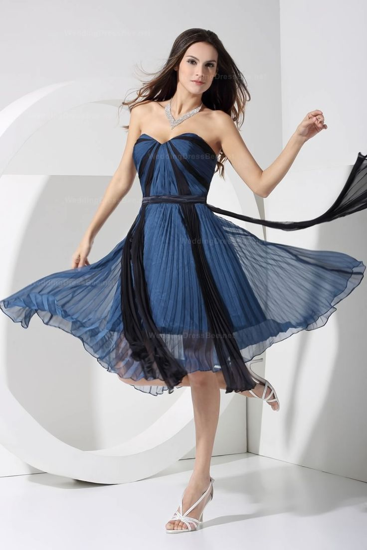 sweetheart neckline two tone pleated chiffon knee-length dress