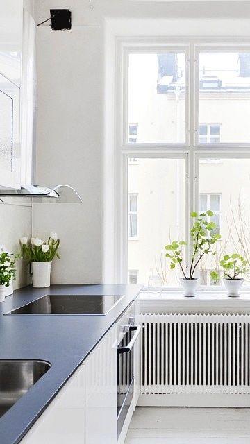 Via NordicDays.nl | Sara Medina Lind | Kitchen | White and Green
