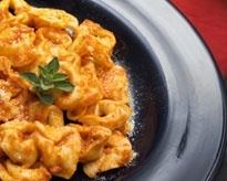 Slow cooker Cheesy Italian Tortellini A new slow cooker favorite for ...