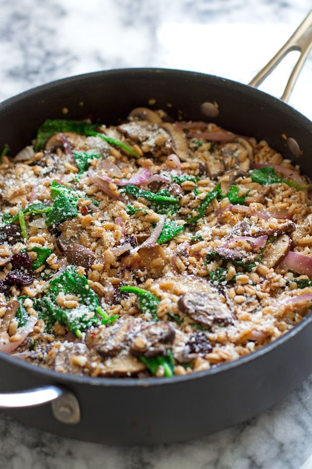 Warm farro salad with spinach and mushrooms | Recipe