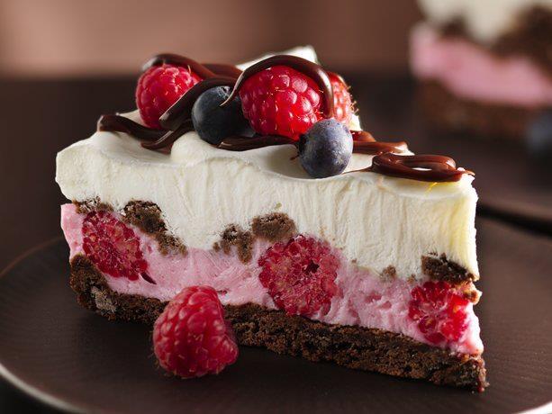 Here's a perfect summer dessert! Berry Chocolate Yogurt Pie.