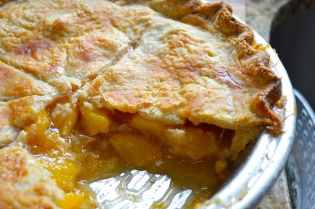 Classic Peach Pie recipe - THE WOKS OF LIFE #peachpie