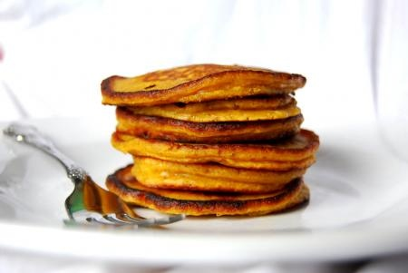 My yummy attempt to put pumpkin puree into pancakes turned out great ...