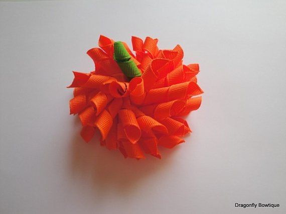 Pumpkin out of ribbon