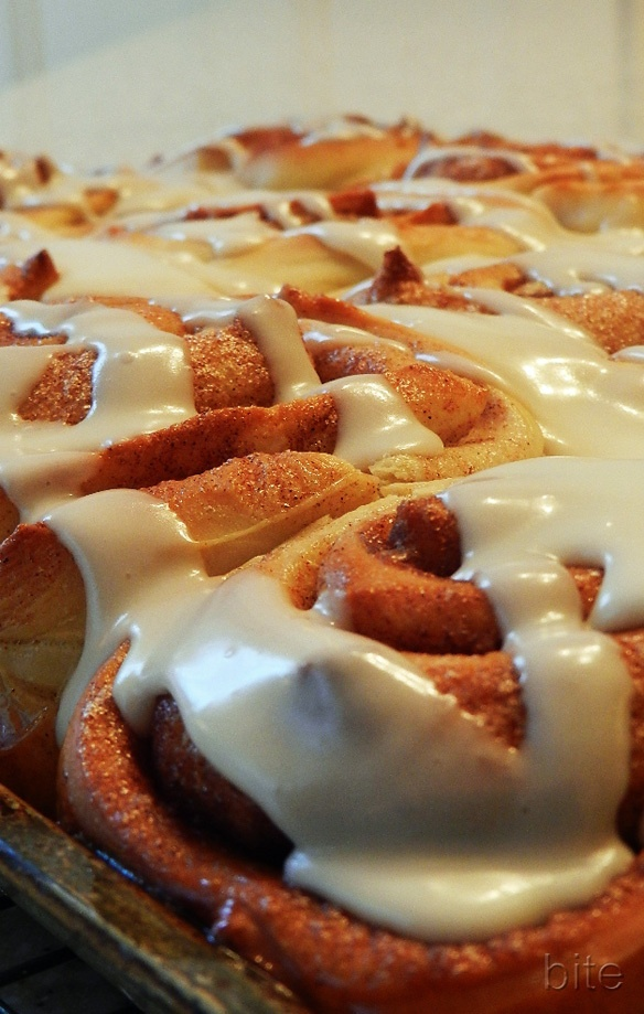 fast cinnamon buns with icing | food | Pinterest