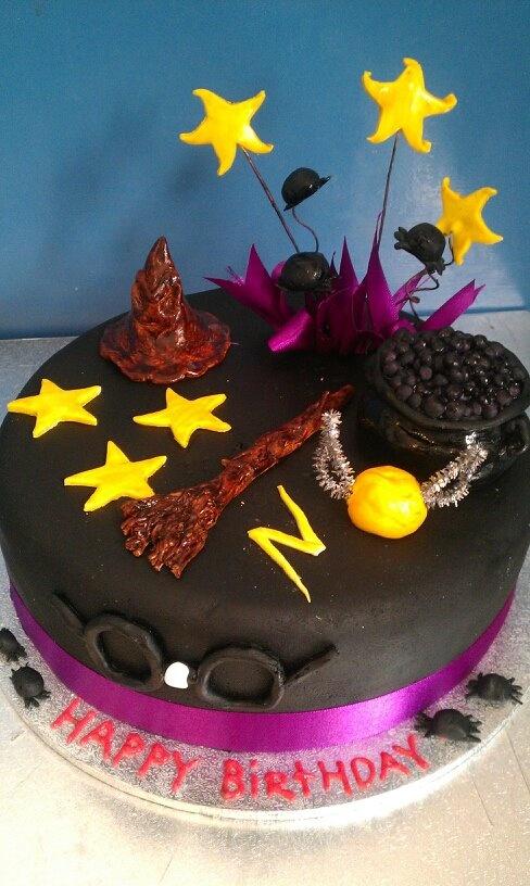 Harry Potter birthday cake  Birthday / Party Cake Ideas  Pinterest