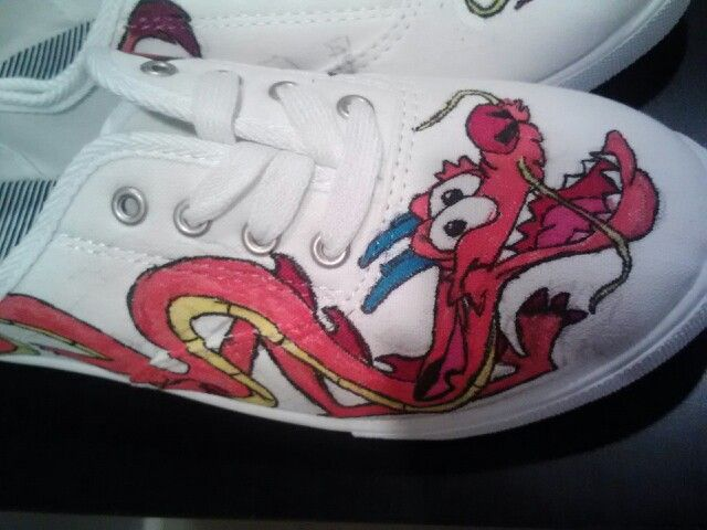 also made Mulan shoes for one of my friends using ordinary white
