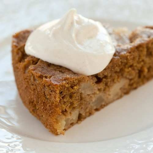 clean eating: low-fat spice cake with maple cream