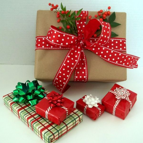 Pin by rachel mullen on cute christmas stuff pinterest for Wrapping present ideas for christmas