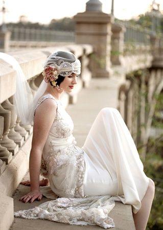 Bride's short bridal hair Toni Kami Wedding Hairstyles ♥ ❶ 20's Gatsby flapper veil with flowers Paris bridge photo